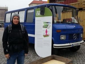 Amy Green vom IASS in Potsdam ist Kuratorin der Altmarkt-Installation.