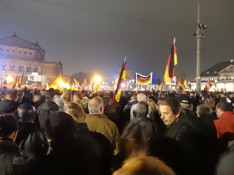 pegida 1910 theaterplatz