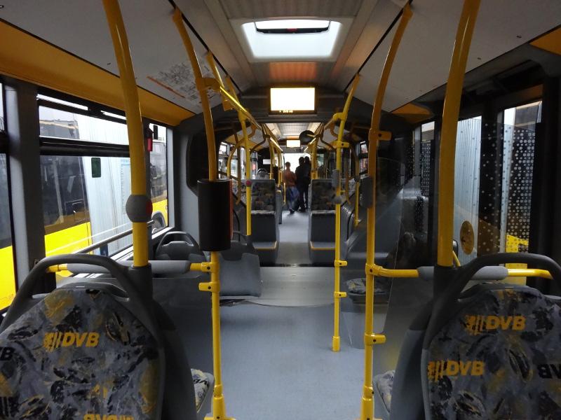 Neue Busse 2812 Fahrgastraum
