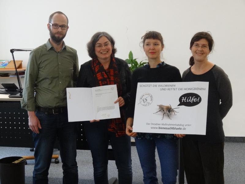Bienen in Dresden Forderungskatalog 2202 übergabe