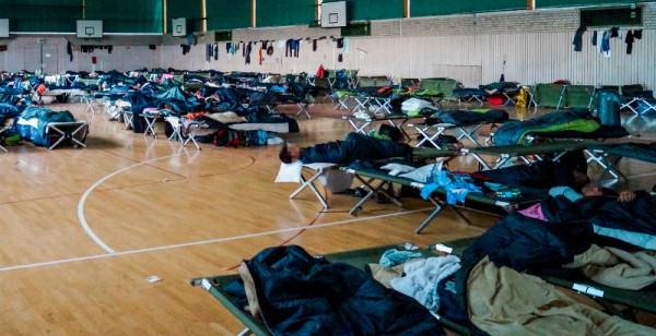 Asyl Turnhalle