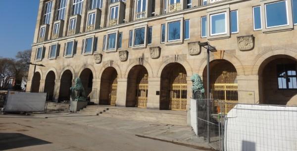Rathaus Goldene Pforte
