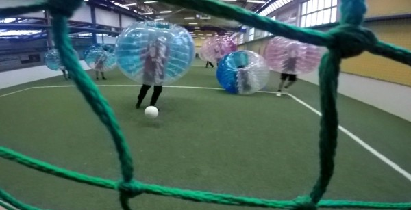 strassenkreuzer bubble football